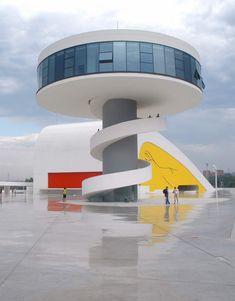 Oscar Niemeyer.