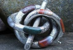 Scottish Agate Brooches:: Antique Silver Lover's Knot brooch main ...
