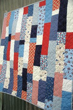 red and blue and white quilt. Another Pinner said: is it too specific to have a of july parade watching quilt? The people sitting next to us this year had one and it was precious! Quilting Tutorials, Quilting Projects, Quilting Designs, Sewing Projects, Quilt Design, Jellyroll Quilts, Scrappy Quilts, Easy Quilts, Colchas Quilt