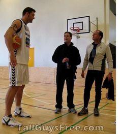 Chris Christoffersen Macro And Micro, Tall People, Z Photo, Medical History, Tall Guys, Hot Guys, High Low, Basketball, Renaissance