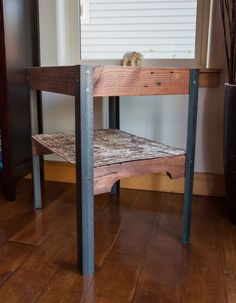 Love this pallet wood and recycled metal table!