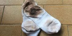 Desencardir meias é uma arte fácil. Veja aqui! Flylady, Home Hacks, Clean House, Housekeeping, Cleaning Hacks, Cleaning Solutions, Helpful Hints, Diy And Crafts, Yoga Flow