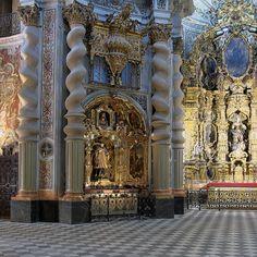 Iglesia de San Luis, Sevilla. Retablos - Seville - Wikipedia Vatican City, Andalusia, Panama, Baroque, Barcelona Cathedral, Madrid, Travel, Beaches, Interior