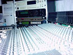 Studio Mischpult für Mixes und Produktionen bei Orphilus Recordings