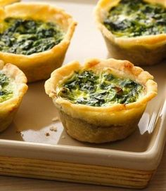 MMMM!!! I LOVE Spinach Quiche! Gonna Try these ~ Gluten Free Spinach Mini Quiches