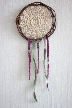 Boho Wall Art | DIY dream catcher with twigs & doily #bohemian