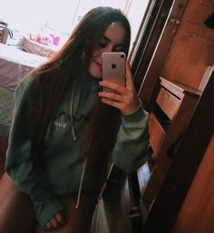See more of andressa-combr's VSCO. Best Friend Pictures, Girl Pictures, Girl Photos, My Photos, Cool Instagram Pictures, Girls Tumbler, Fake Girls, Cute Love Couple, Stylish Girls Photos