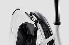 Benannt nach dem Pariser StadtviertelLa Villette bringt Coboc mit demSEVEN Villette nun ein Modell mit tiefem Einstieg, demelektrisch unterstütztenSinglespeed-Antrieb und einer umfangreichen Ausstattung. Mit demSEVEN Villette stellt Cobocdem, im VorjahrpräsentiertenCoboc SEVEN Versterbro, ein attraktives Schwesterchen zur Seite: Herzstück ist der … Weiterlesen
