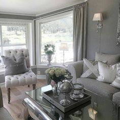 #Repost @miss_susie_and_the_bandits  #vienna140 fra @classicliving #interior #livingroom #glaminterior1 #glammøbler #steele #glamfurniture #homeandliving #interørinspirasjon #interiorandhome #interiørdetaljer #interiør #interior4all #inspohome #passion_4_home_decor #passion4interior #classyinteriors #charminghomes #finehjem