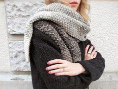 Ce tutoriel vous explique comment procéder pour tricoter une écharpe à effet ombré