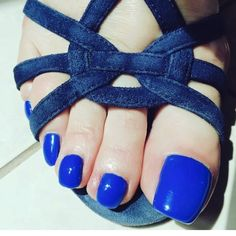 This website is about upper-class Mistress in Dubai, to whom powers come naturally. Expert in femdom and sensual teaser with the best body curves in the right places! Beautiful Toes, Pretty Toes, Long Toenails, Blue Toes, Foot Toe, Body Curves, Pumps, Sexy Toes, Female Feet