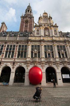 RedBall Leuven, Belgium, Artist: Kurt Perschke Photographer: Thomas Martin, Martin and Martin #RedBallProject
