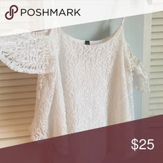 Cute Summer white lace Jessica Simpson top Cute white lace Jessica Simpson Summer top Jessica Simpson Tops Blouses
