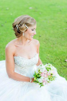 Beautiful Bride 40's stye hair
