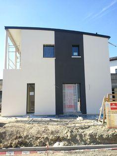 maison traditionnelle de plain pied aux couleurs du sud facades pinterest plain pied. Black Bedroom Furniture Sets. Home Design Ideas