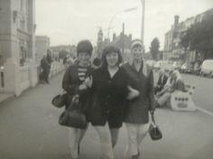 Mod Girls in Skegness, 1966 Girls Slip, N Girls, I Love Girls, Mod Girl, Mod Scooter, Retro Baby, 60s Mod, Small Faces, Northern Soul