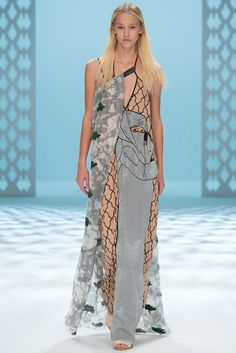 Chalayan - Spring 2015 Ready-to-Wear - Look 46 of 49