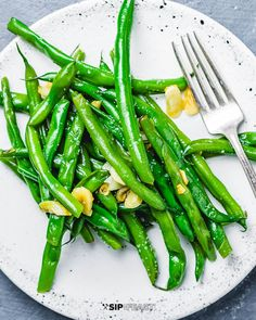 If you're looking for a simple yet delicious way for how to cook fresh green beans, look no further. Italian green beans with garlic and oil is a classic side dish, and is a staple on our menu. Should it be on yours? Well you're here, so I hope the answer is yes! Italian side …