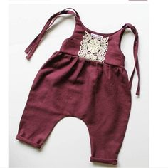 Wow, look at these designer kids clothes Wow, schau dir diese Designer-Kinderkleidung an - Cute Adorable Baby Outfits Baby Outfits, Toddler Outfits, Kids Outfits, Toddler Girls, Baby Girls, Toddler Toys, Baby Toys, Baby Kids Clothes, Baby Clothes Shops