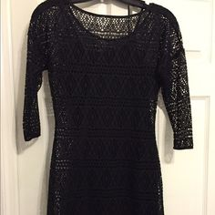 """Express back dress Express dress with strapless sleeves under fishnet design. 3/4th sleeves. Doesn't quite reach my knees and I'm 5'6"""". Express Dresses Midi"""