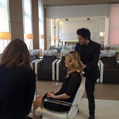 Un petit aperçu du shooting photo de ce week-end avec la blogueuse #LauraPeach ! Un grand merci à elle !  #pinketcetera #ericzemmour #lorealprofessionnel #hcf #coiffure #coiffeur #blogueuse #cheveux #hair #salondecoiffure #france #look #shooting #photo