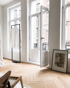 Beautiful oak chevron parquet flooring in a Parisian apartment with stunning French doors and large windows My Living Room, Home And Living, Living Spaces, Pink Home Decor, Cheap Home Decor, Style At Home, Floor Design, House Design, French Apartment