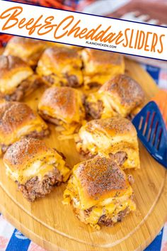 Beef & Cheddar Sliders - perfect for watching football, parties or a quick lunch and dinner. Seriously delicious!! Hawaiian rolls, deli roast beef, bbq sauce, cheddar cheese, butter, dijon mustard, worcestershire, brown sugar and poppy seeds. Can assemble ahead of time and bake when ready to serve. You might want to double the recipe - these don't last long in our house! #sliders #superbowl #tailgating Bbq Roast Beef, Roast Beef Sliders, Football Food, Football Parties, Queso Cheddar, Cheddar Cheese, Beef Recipes, Cooking Recipes, Burger Recipes