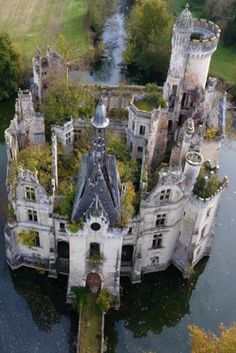 12 Most Amazing Castles In France (VIDEO) #Travel #Castles #France #Amazing