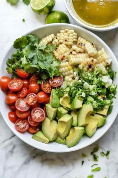 Grilled Corn, Tomato and Avocado Salad Healthy Nutrition, Healthy Snacks, Healthy Eating, Salad Recipes, Vegan Recipes, Cooking Recipes, Diabetic Recipes, Picnic Recipes, Picnic Ideas