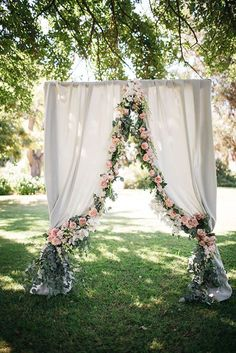 24 Wedding Backdrop Ideas For Ceremony, Reception and More ❤ See more: http://www.weddingforward.com/wedding-backdrop-ideas/