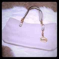FINAL  AUTHENTIC Michael Kors Handbag This is a gorgeous lightweight leather tote! MICHAEL Michael Kors Bags Shoulder Bags