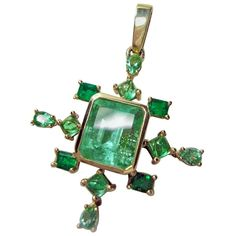 For Sale on - This amazing antique-style cluster drop pendant, is made of yellow gold. The center feature a natural natural Colombian emerald, Aquamarine Pendant, Gold Pendant, Pearl And Diamond Necklace, Gold For Sale, Colombian Emeralds, Antique Necklace, Emerald Cut Diamonds, Natural Emerald, Beautiful Necklaces