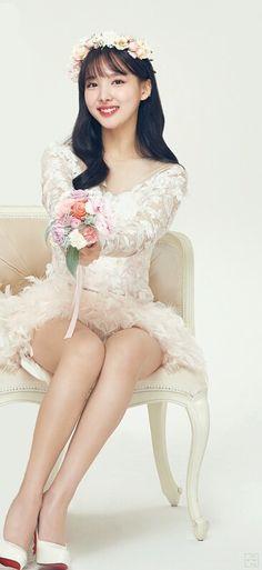 TWICE fans falling in love with photos of Nayeon in a wedding dress ♡♡♡ 트와이스 나연 ♡♡♡ Kpop Girl Groups, Korean Girl Groups, Kpop Girls, Nayeon Twice, Dahyun, Lorde, Western Dresses, South Korean Girls, Pretty Woman