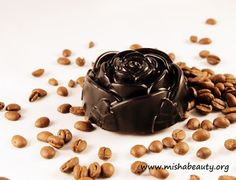 Misha Beauty - přírodní kosmetika a jiné DIY projekty : Peelingové a luxusní růžové mýdlo - inspirace na d... Natural Cosmetics, Pudding, Desserts, Food, Tailgate Desserts, Deserts, Eten, Puddings, Postres