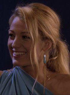 Gossip Girl Serena van der Woodsen Chunky Blue Earring