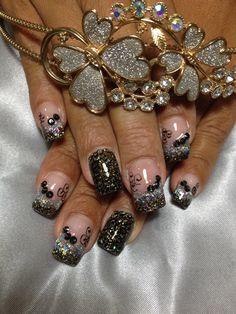 Dark Nail desig ! Glitters !