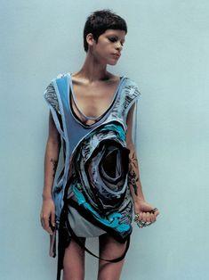Omahyra Mota by Jan Welters  Hussein Chalayan s/s 2003 MANIFEST DESTINY  Repinned by www.fashion.net