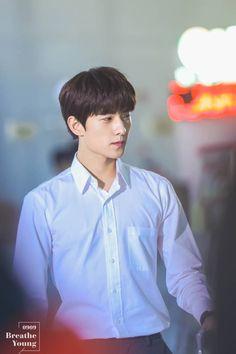 yang yang Dramas, Yang Yang Actor, The Dream, Asian Men, Handsome Boys, Photo Book, China, Chinese Candy, Teen