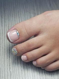 New pedicure designs spring toes rhinestones Ideas Pretty Toe Nails, Cute Toe Nails, Glam Nails, Gorgeous Nails, Beauty Nails, Nice Nails, Pedicure Nail Art, Pedicure Designs, Toe Nail Designs