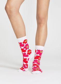 Hieta-sukat (valkoinen, punainen) |Laukut & asusteet, Asusteet, Sukat & sukkahousut | Marimekko 14,90€ (nämä kelpaa myös musta-harmaana) koko 38