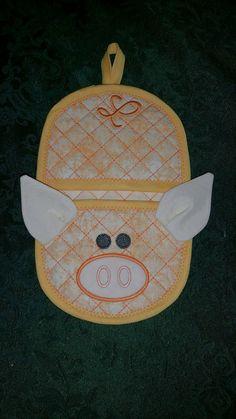 Pig oven mitt  5x7 hoop size, in the hoop applique machine embroidery design,  digital pattern