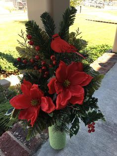 Idea Of Making Plant Pots At Home // Flower Pots From Cement Marbles // Home Decoration Ideas – Top Soop Christmas Floral Arrangements, Funeral Flower Arrangements, Christmas Centerpieces, Christmas Decorations, Christmas Planters, Vase Arrangements, Grave Flowers, Cemetery Flowers, Funeral Flowers