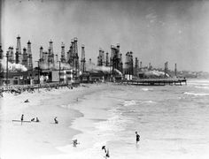 Los Angeles Was Once a Forest of Oil Derricks