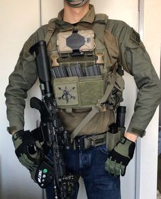 What Items Should Be in My Car Emergency Survival Kit?Everyone who owns a car should carry a car survival kit with them at all times. Tactical Wall, Tactical Armor, Tactical Survival, Tactical Supply, Tactical Equipment, Military Equipment, Army Gears, Battle Rifle, Tac Gear