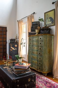 Jenn & Hunter's Historic Landmark Apartment is part of Eclectic decor vintage - Managing Partner of Archetype Hospitality & Development, LLC Location Los Feliz; Los Angeles, California Size square feet Years lived in 6 Decor, Eclectic Bedroom, Interior Design, House Interior, Farmhouse Interior, Home Decor, Eclectic Home, Interior Decorating, Home Decor Inspiration