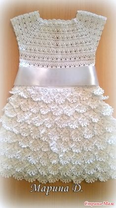 You who love this classic crochet dress. This is a wonderful idea o… Hello girls. You who love this classic crochet dress. This is a wonderful idea of crochet dress. He wears very well. For girls from 2 to … Knitting Baby Girl, Baby Girl Crochet, Crochet Baby Clothes, Crochet Dress Girl, Crochet Dresses, Crochet Toddler, Crochet For Kids, Crochet Summer, Little Dresses