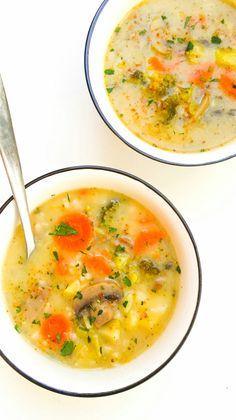 zupa grzybowa z brązowym ryżem Cheeseburger Chowder, Soup Recipes, Ethnic Recipes, Food, Essen, Meals, Yemek, Eten, Soap Recipes