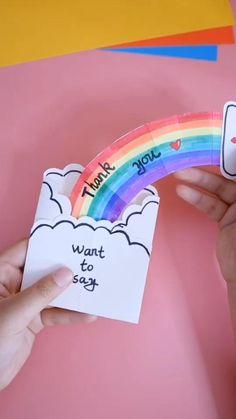 Instruções Origami, Paper Crafts Origami, Easy Paper Crafts, Diy Origami Cards, Rainbow Origami, Crayon Crafts, Origami Bookmark, Paper Flowers Craft, Oragami
