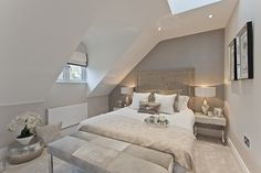 9 Friendly Clever Ideas: Attic Room With Beams attic lighting pictures.Old Attic Room hide attic door. Source by nikibozsik The post Grand Modern Attic Angles Ideas appeared first on Jims Home Designs. Modern Bedroom, Loft Conversion Bedroom, Home, Bedroom Interior, Bedroom Design, Luxurious Bedrooms, Master Bedrooms Decor, Beige Bedroom, Loft Room