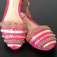 A mistura de pink com dourado é garantia de sucesso. Prepare-se para a chuva de elogios ;)